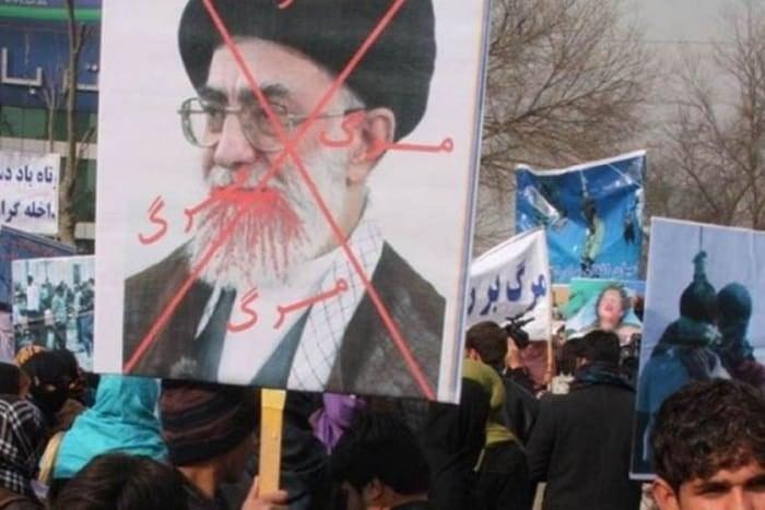 Doğu Kürdistan'da ki gösterilerde 34 kişi şehit düştü