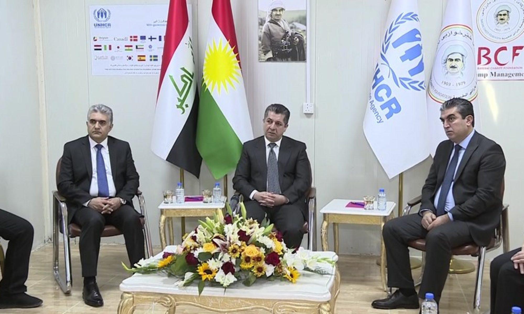 Mesrur Barzani Rojavalı mültecileri ziyaret etti