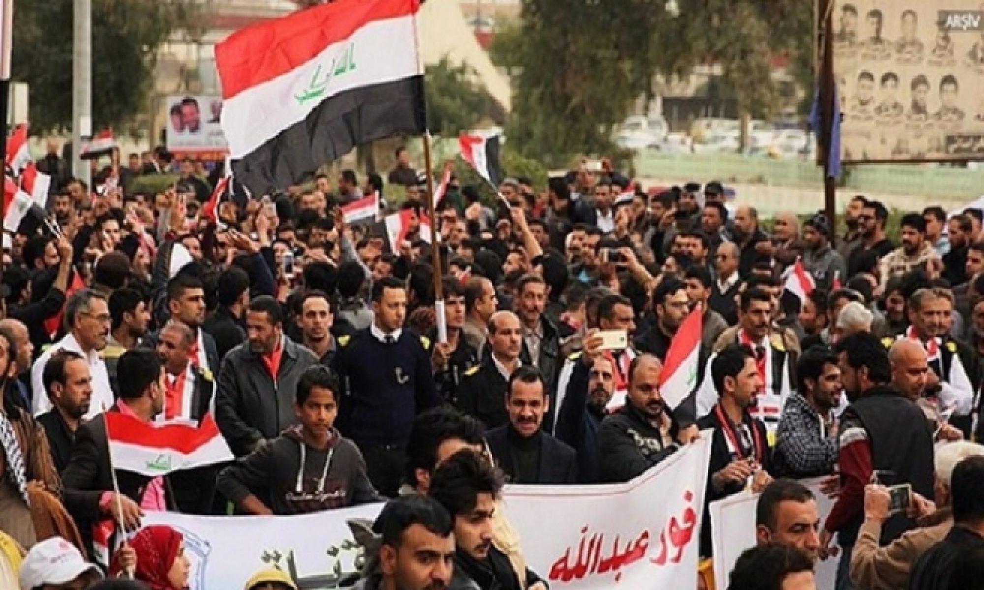 Bağdat'ta milyonların protestosu başladı