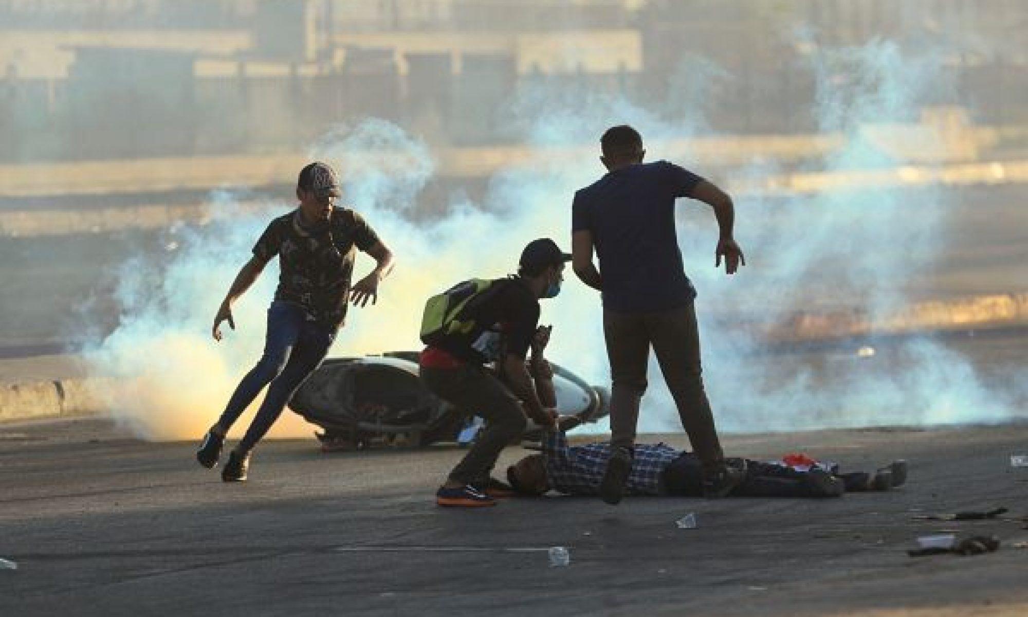 Bağdat'ta durum kötüye gidiyor,7 gösterici öldürüldü