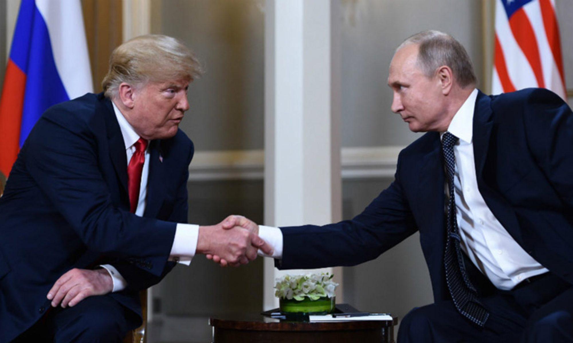 Trump ve Putin coronavirüsü görüştü