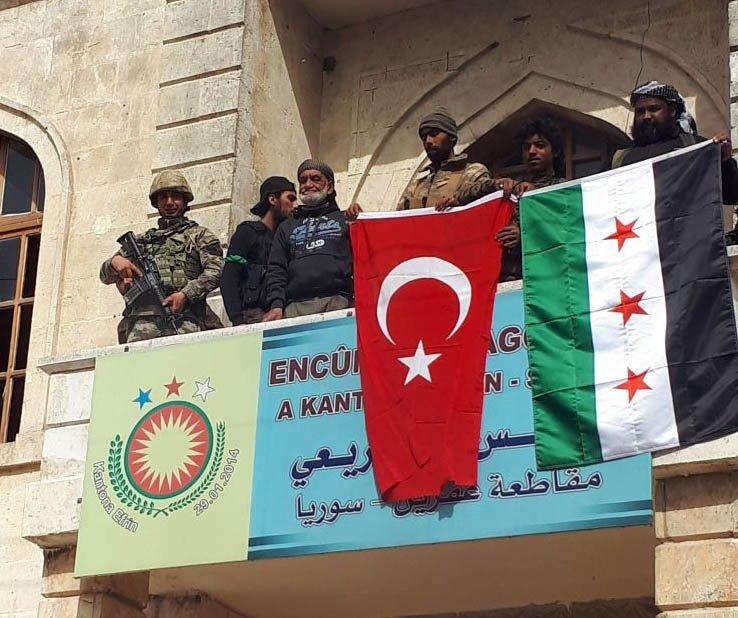 Türkiye'ye bağlı silahlı çeteler Ezaz şehri yakınlarında Afrinli 20 öğrenci 2 öğretmeni kaçırdı