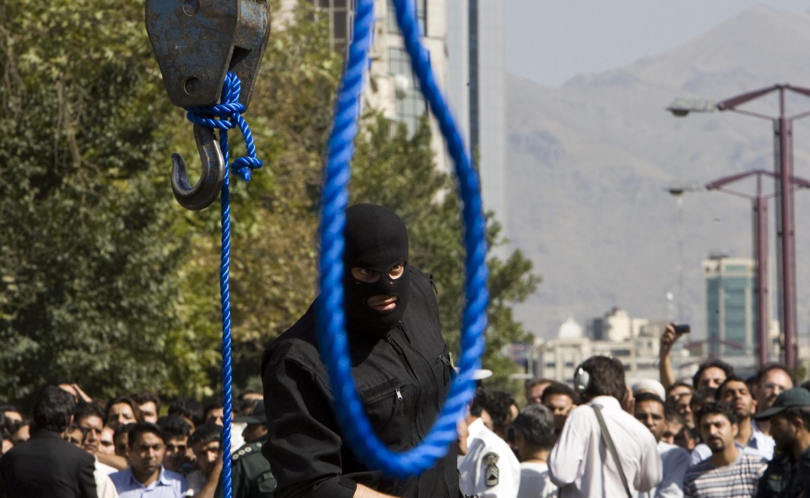 Altı defa alkol içme suçu içleyen adam idam İran'da idam edildi