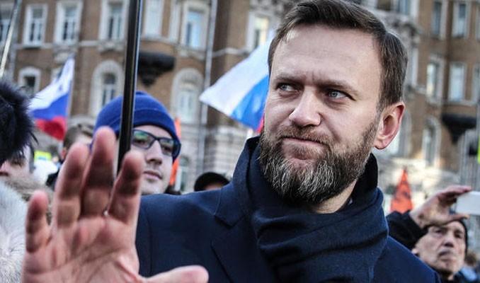 Rus muhalif Navalniy zehirlendi mi?