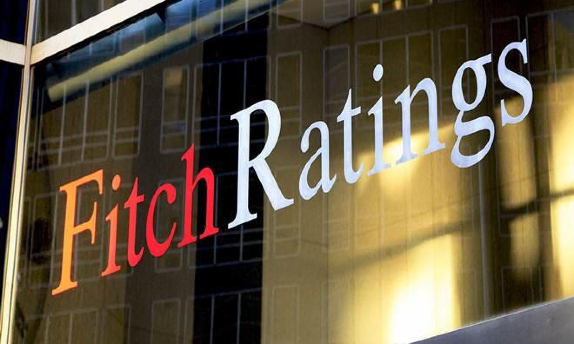Fitch, Türkiye'nin kredi notunu durağandan negatife çevirdi