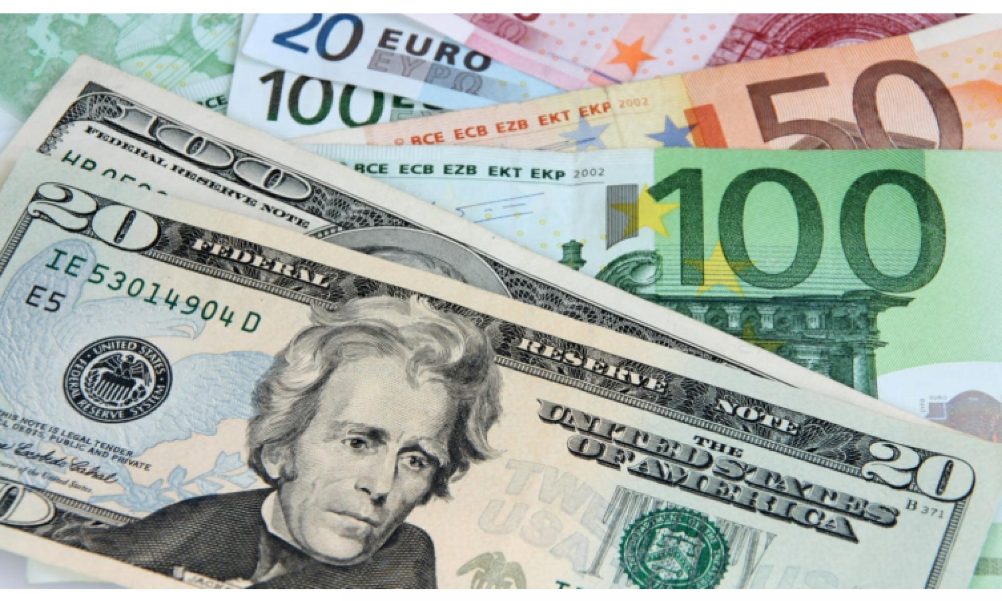 Dolar 8.20'ye Euro ise 9.66'dan güne başladı