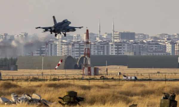 The Guardian: Türkiye ve BAE'nin Libya'da ki silah ambargosunu nasıl deldiklerini yazdı