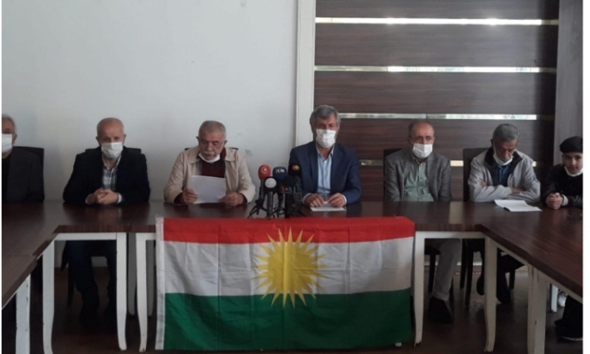 Amed'de 400 aydın ve siyasetçiden açıklama: PKK'nin Peşmergeye saldırısı Güney Kürdistan'daki mevcut siyasi statüyü ve federe devletin meşruiyetini yok sayan kabul edilemez bir saldırıdır