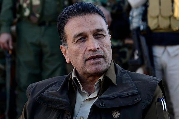 """Lezgin: PKK içerisinde bir kanat Kürdistan Bölgesi'ne karşı düşmanlık yapıyor Erbil (Rûdaw) – Peşmerge Bakanı Yadımcısı Serbest Lezgin, Kürdistan petrol botu hattının patlatılmasına ilişkin, """"PKK'nin Kürdistan Bölgesi'ne karşı böyle şeyler yapmasını essefle karşılıyoruz"""" dedi. Lezgin, """"Savaş kapımıza dayanırsa buna mecbur kalırız"""" ifadelerini kullandı. Rûdaw TV'de yayınlanan """"Rûdawî Emro"""" özel programına konuk olan Serbest Lezgin, PKK'nin Kürdistan'dan Türkiye'ye petrol pompalayan boru hattına hangi gerekçe ile sabotaj düzenlediklerini anlayamadıklarını söyledi. Lezgin, """"PKK'nin Kürdistan Bölgesi'ne karşı böyle şeyler yapmasını essefle karşılıyoruz. Bu Kürdistan Bölgesi halkı ve hükümetine karşı açık bir düşmanlıktır. Kürdistan Bölgesi hükümeti bu petrolü satarak memur ve çalışanlarının maaşlarını ödüyor. Belliki bununla Kürdistan halkının ekmeğine de mani olmak istiyorlar. Hükümet zayıf kalsın, halka maaş ödeyemesin istiyorlar. Serzêr Asayiş Müdürü'nün şehit edilmesi, Kürdistan petrol boru hattının patlatılması düşmanca eylemlerdir ve tehlikelidir"""" dedi. """"PKK'nin yaptığı gün gibi ortada"""" Yapmamış olsaydı PKK'nin Serzer Asayiş Müdürü'nün katledilmesini anında inkar etmesi gerektiğini vurgulayan Lezgin, """"Erbil Asayiş Müdürlüğü bu konuda açıklama yaptı. PKK yapmamış olsa hemen bu açıklamaya yanıt vermeliydi. Ama olayın üzerinden 15 gün geçtikten sonra inkar etti. Oysa kendilerinin yaptığı gün gibi ortada"""" şeklinde konuştu. Kürdistan petrol boru hattına düzenlenen sabotaja değinen Peşmerge Bakanı Yadımcısı Serbest Lezgin, """"PKK içerisinde bir kol açıkça Kürdistan Bölgesi'ne karşı büyük bir düşmanlık yapıyor. Bu süreçte bunu neden yaptıklarını anlayamıyoruz. Amaçları ortalığı karıştırmaktır, arkasında siyasi amaçlar vardır. Kürdistan Bölgesi'nin ekonomisini çökertmek istiyorlar"""" değerlendirmesinde bulundu. """"Savaş kapımıza dayanırsa mecbur kalırız"""" Petrol boru hattının patlatıldığı bölgeye PKK'lilerin kolayca ulaşamadığını ifade eden Lezgin, """"Gündüz ortasında PKK'lilerin """