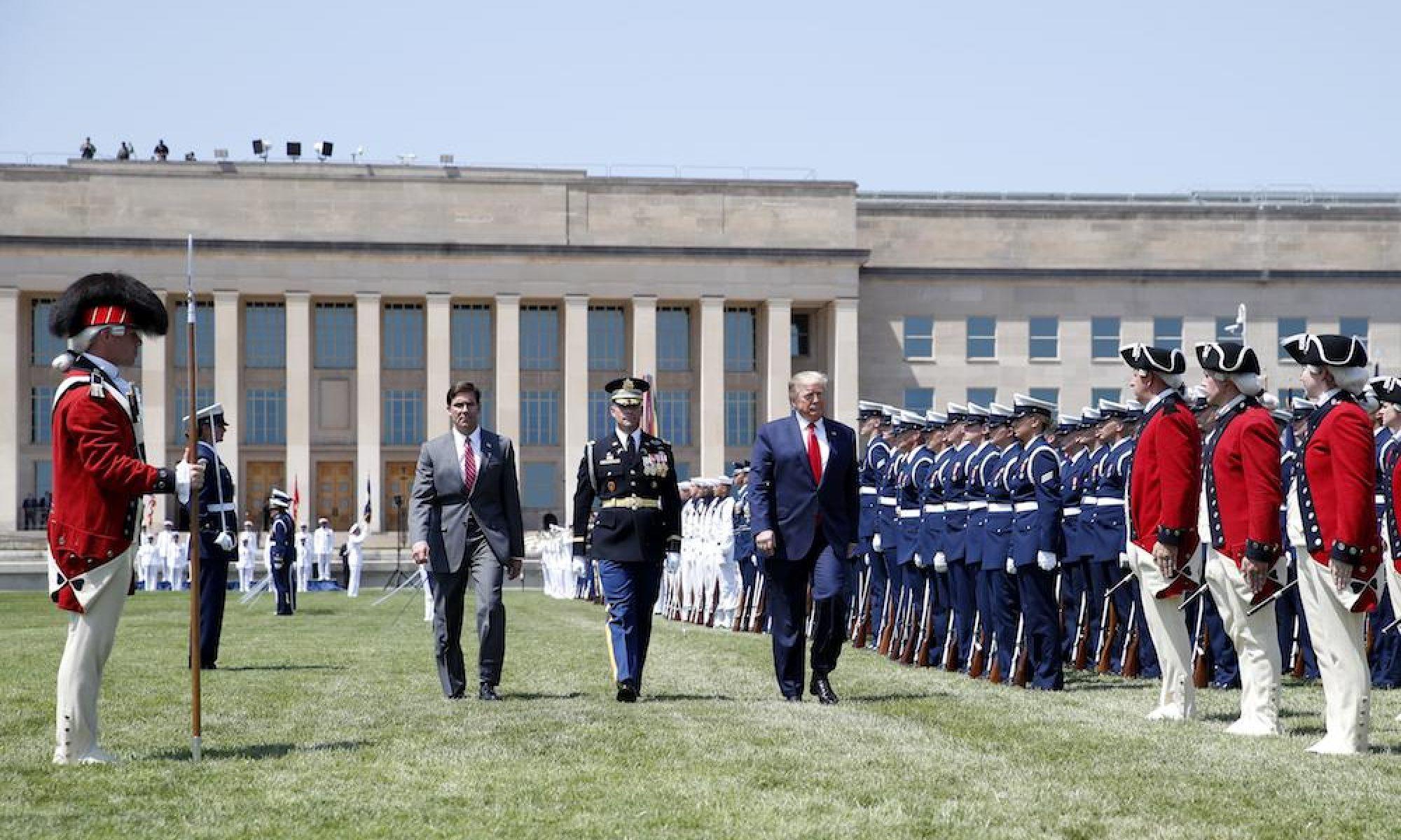 Pentagon geneği pozdu; Trump'a veda töreni yok
