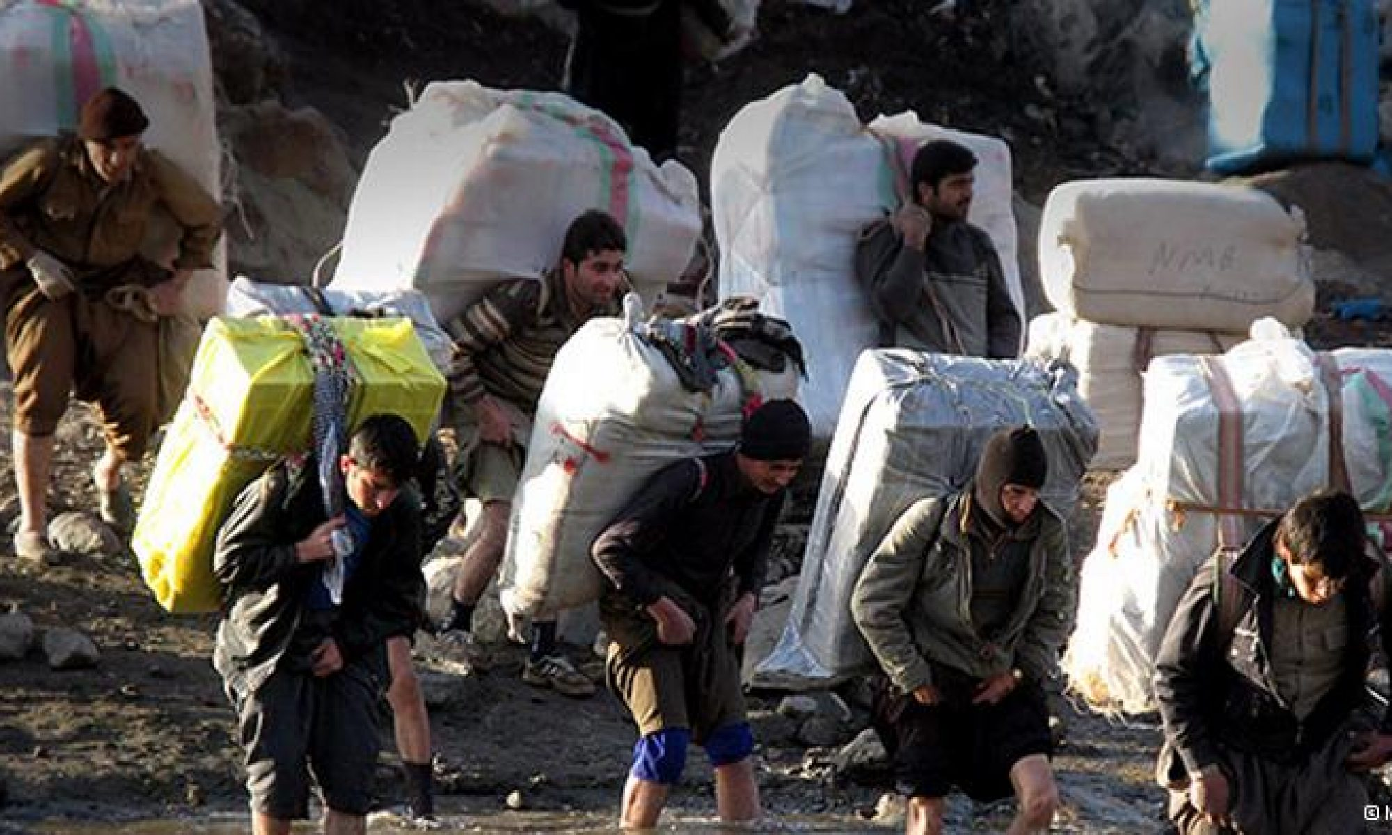 İran ordusu Serdeşt'te iki çocuk babası kolberi öldürdü