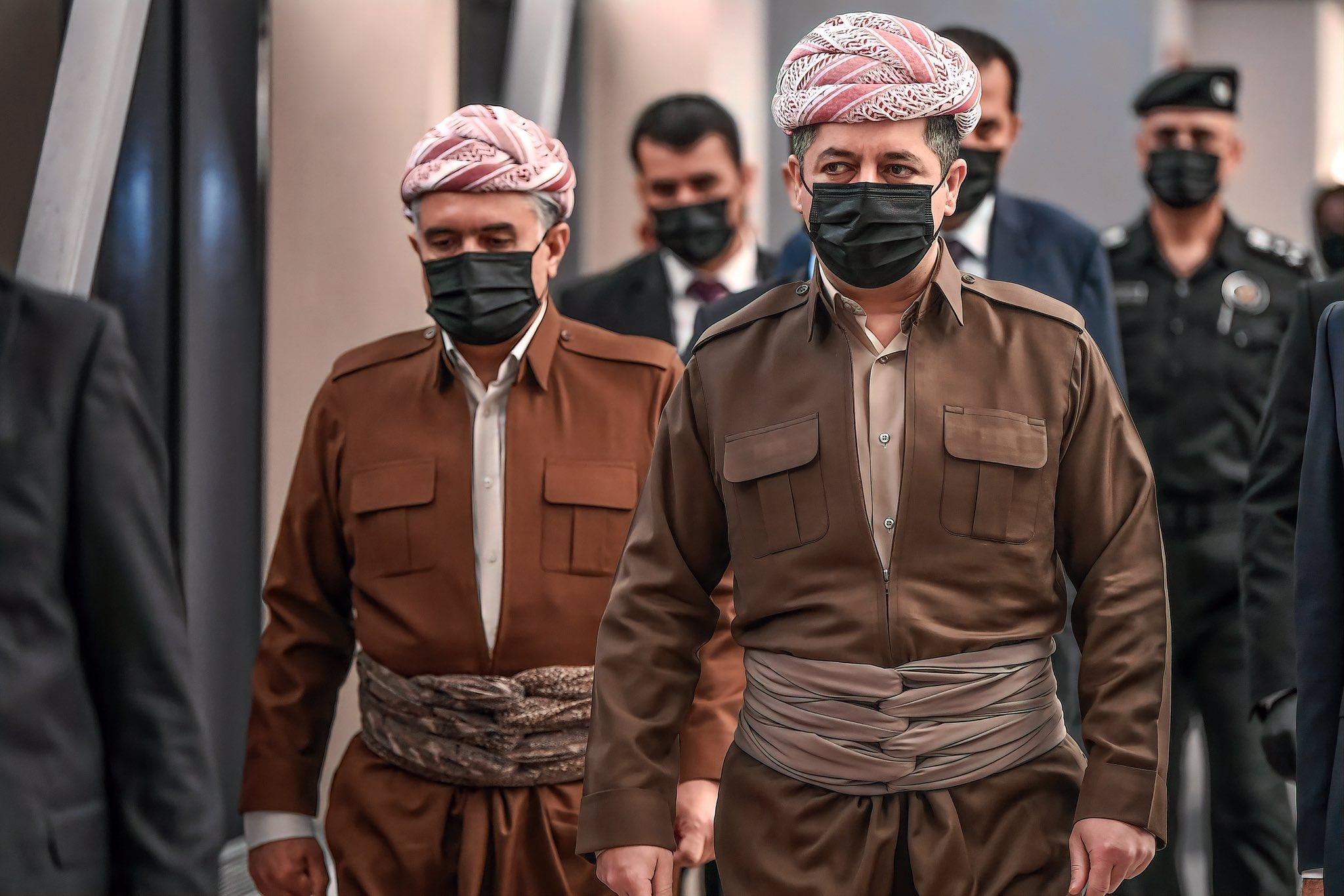 Kürdistan Hükümeti Bakanlar toplantısı Kürt kıyafetleri ile yapıldı