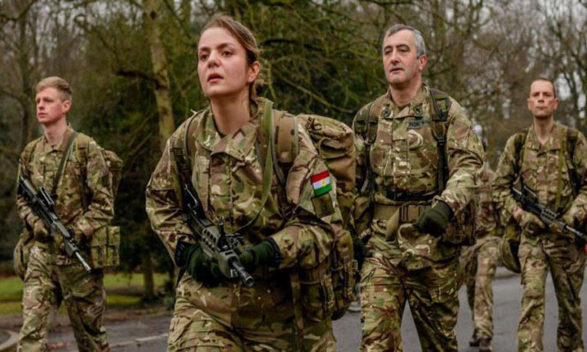 Bir kadın Peşmerge İngiliz Kraliyet Askeri Akademisinden mezun oldu