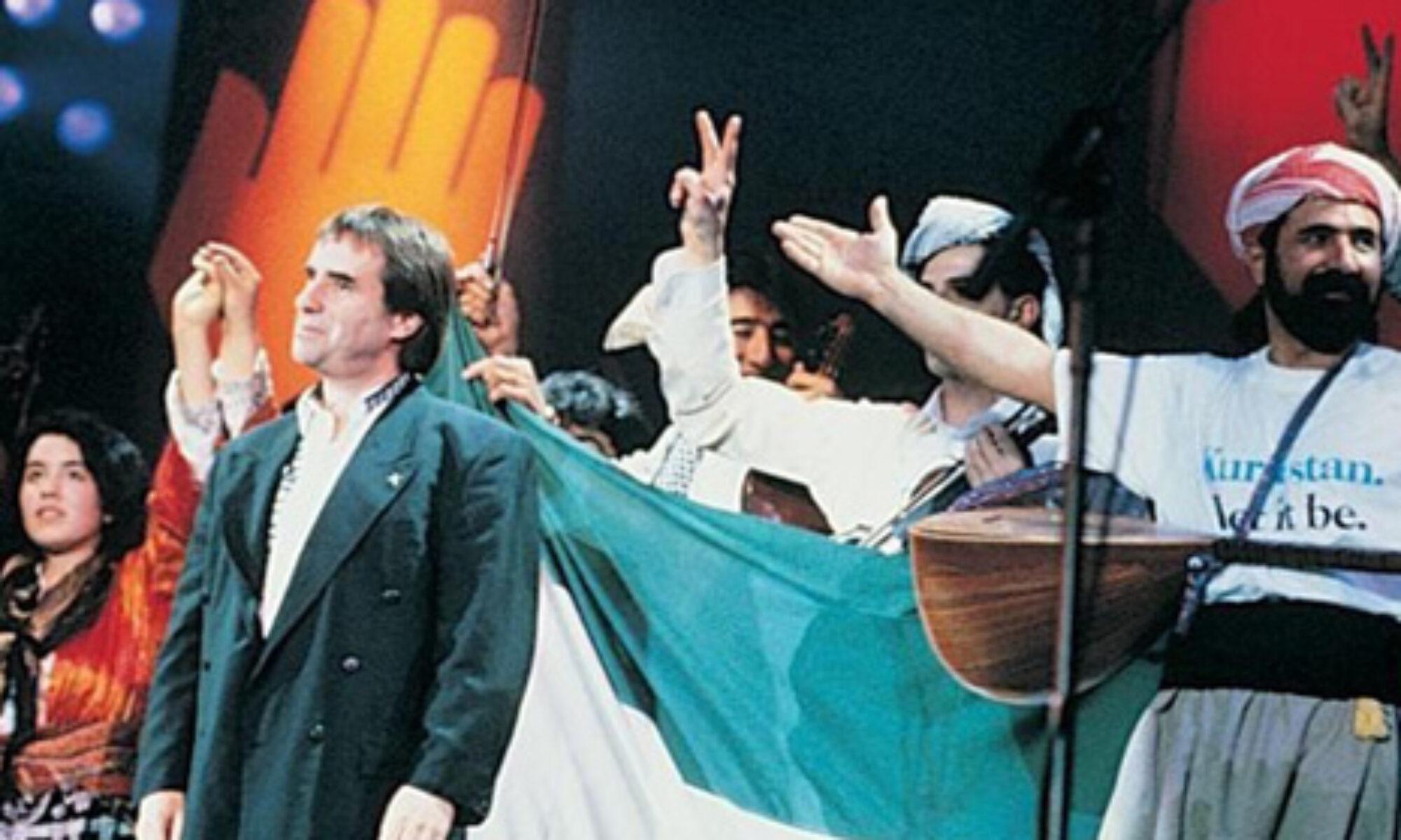 """1991 yılında göç eden Kürtler için yapılan """"The Simple Truth"""" konserleri müzik tarihine geçmişti"""