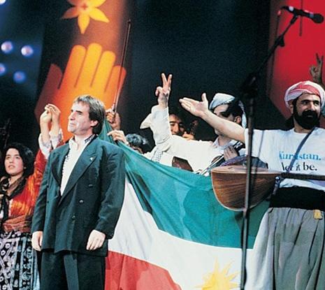 """1991 yılında göç eden Kürtler için yapılan""""The Simple Truth"""" konserleri müzik tarihine geçmişti"""