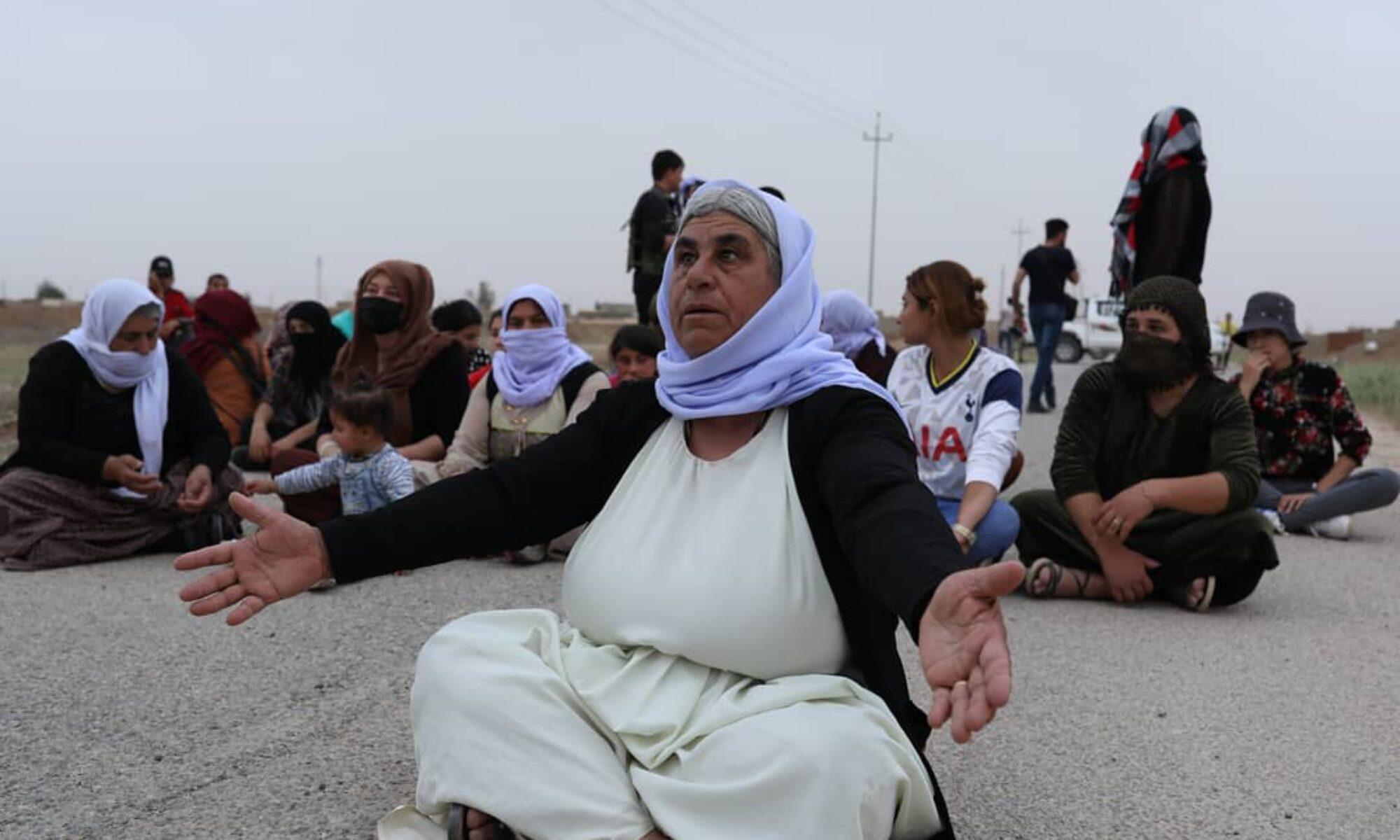 Yollarda nöbet tutan Şengalli kadınlar ve ABD'nin PKK yöneticilerini ihbar edeler için verdiği ödülün zamanlaması Irak, İran, PKK; KCK; Şii Hilal,