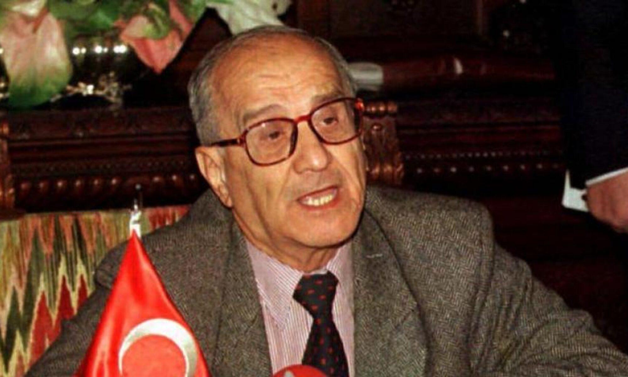 """132 tanınmış Kürt şahsiyetten Taner Akçam'a """"Özür dileme"""" çağrısı"""