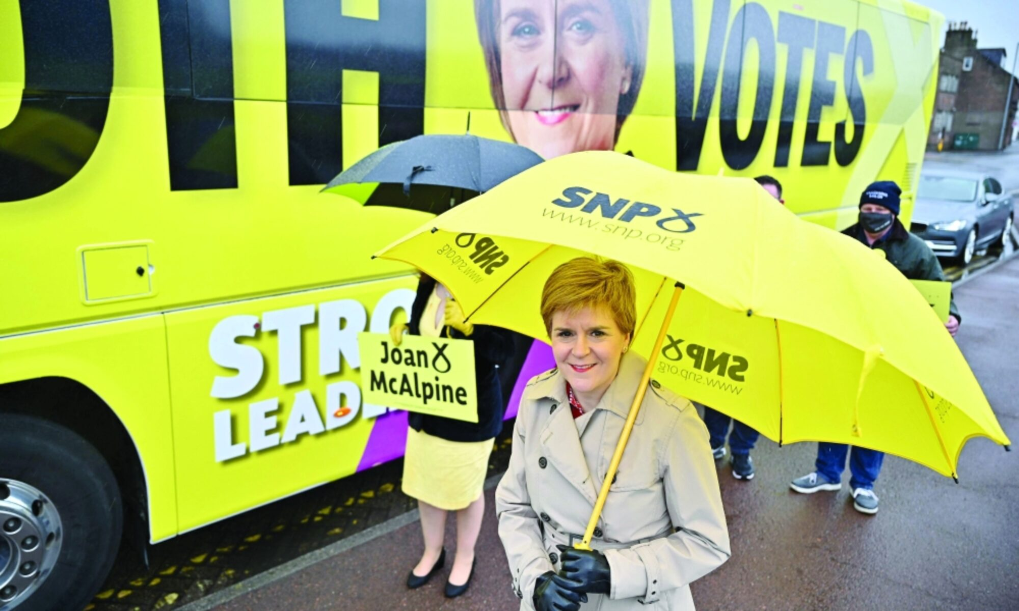 İskoçya'da bağımsızlık referandumunu yenilemek isteyen SNP parlamento seçimlerinde zafer elde etti