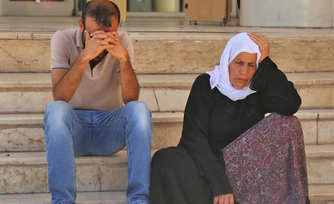 Emine Şenyaşar ve oğlu Adalet Bakanı Hamit Gül'e hakaret ettikleri gerekçesi ile gözaltına alındı 24 Haziran, Urfa
