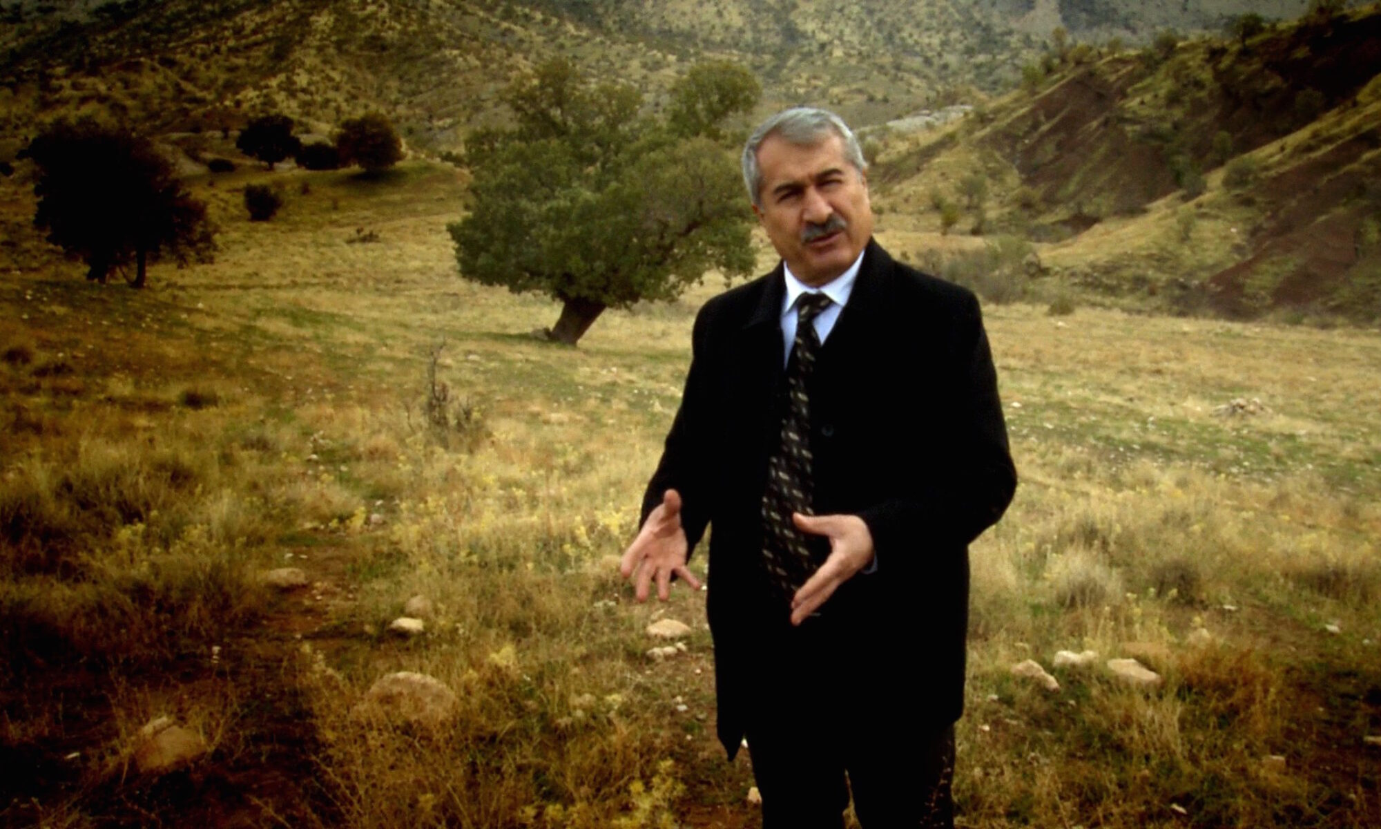 PKK'ye bağlı PÇDK'nin eski başkanı Fayiq Gulpi'den önemli soru: Süleymaniye sınırında çok sayıda PKK'li yönetici hayatını kaybettiği halde PKK neden YNK'ye karşı açıklama yapmıyor Ezmar, Demhat Agit, Mawet, Şarbajer, Pişder, Cemil Amed