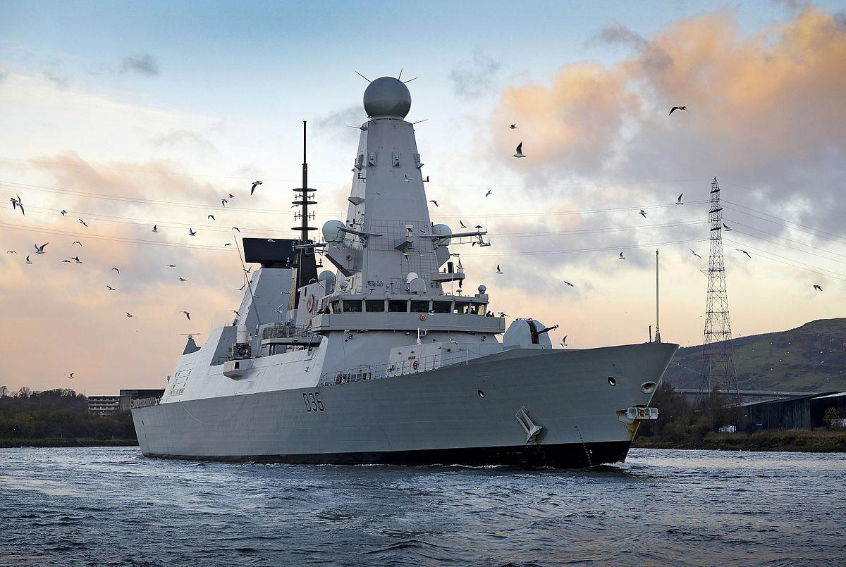 Karadeniz'de gerginlik: Rusya İngiliz gemisine ateş açtı
