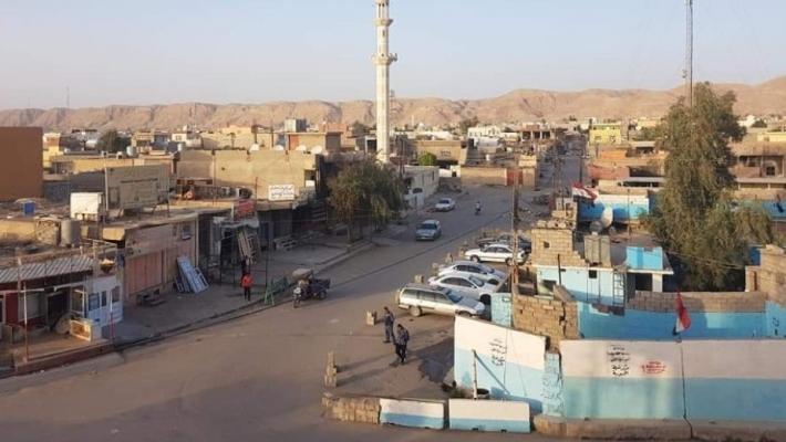 Kerkük'e bağlı Xurmatu'da Şii milisler Kürt mahallesi Rizgari'de bir sokağı işgal etti, halkı girmesine izin vermiyor