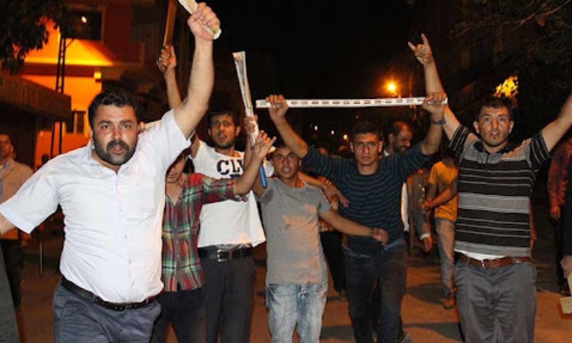 Antalya'da Irkçı saldıraganlardan Kürt aileye: Yarın akşama kadar burayı terk etmezseniz sizi yakacağız Elmalı