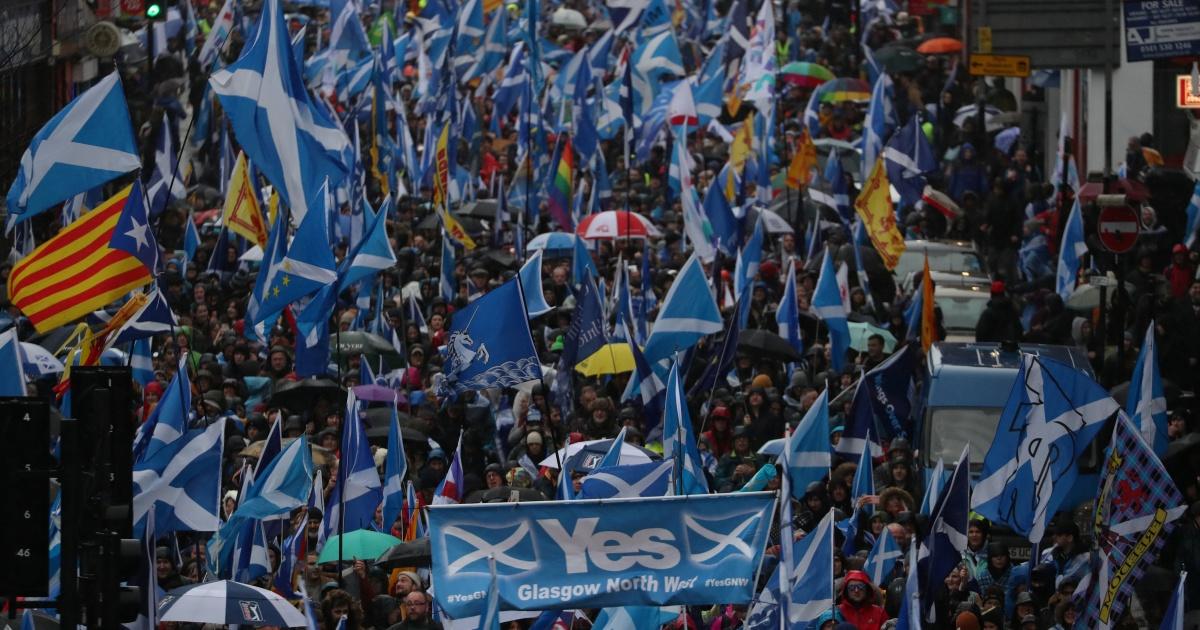 İskoçlar bağımsızlık için yürüdü: İngiltere'den boşanmak istiyoruz