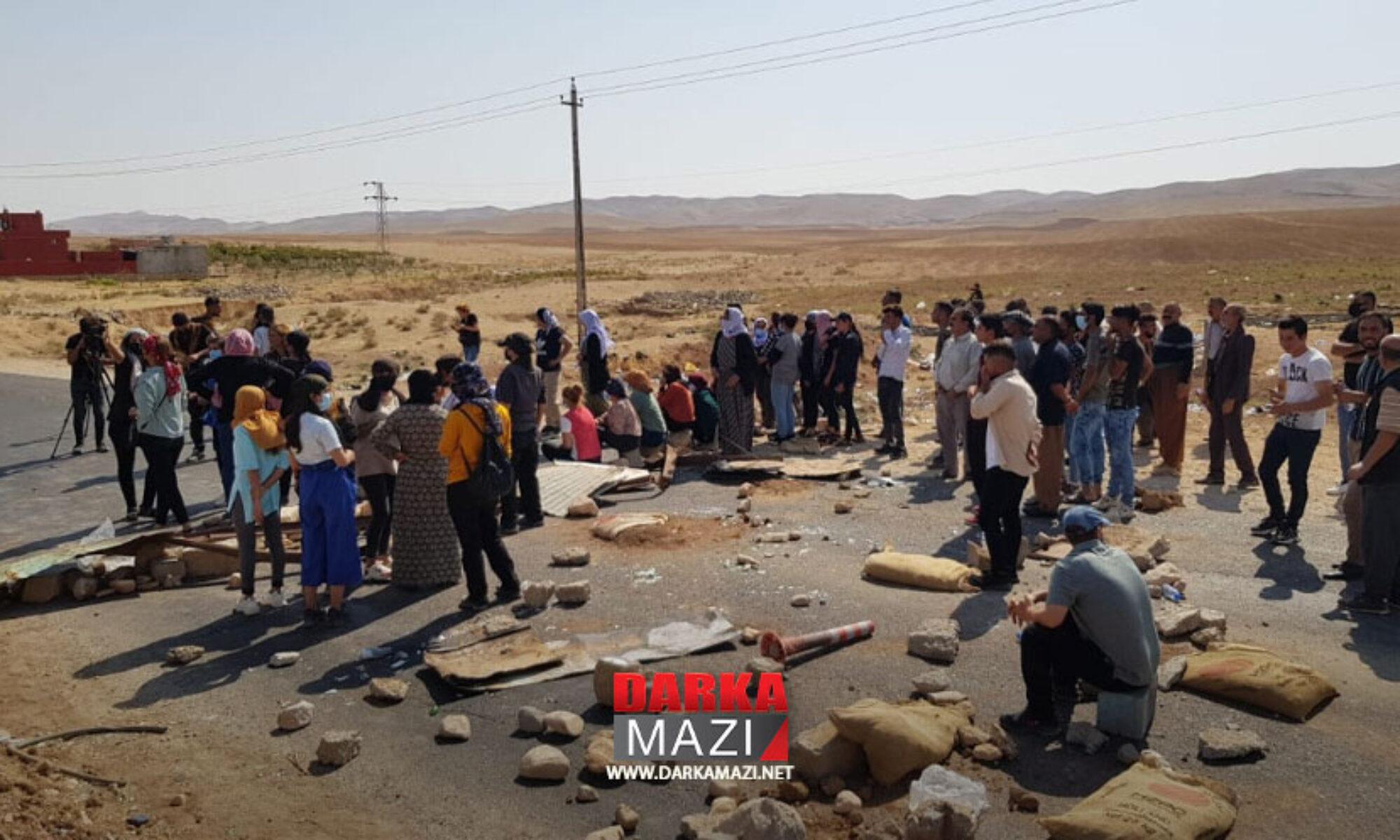 PKK Şengal halkını istismarda sınır tanımıyor: Çocukları yollara döktü